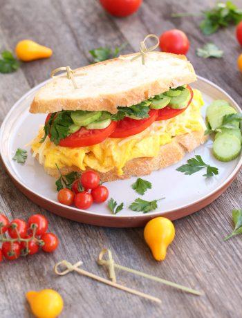 sandvis cu omleta