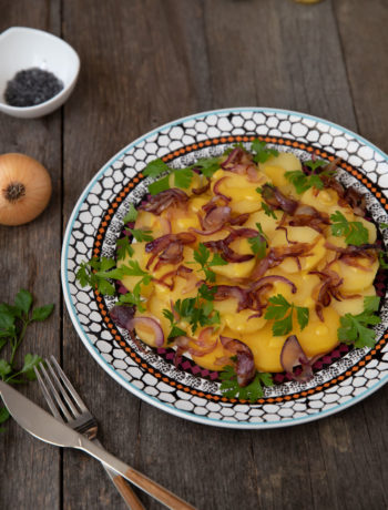 salata-cartofi-cu-ceapa-caramelizata