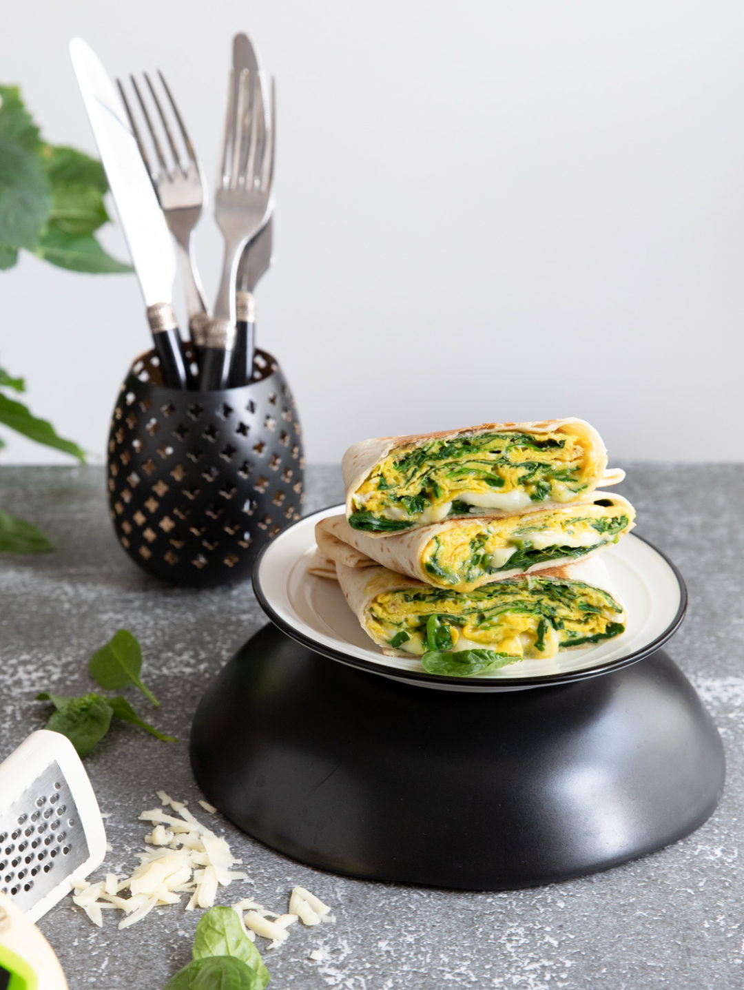 quesadilla cu omleta si spanac