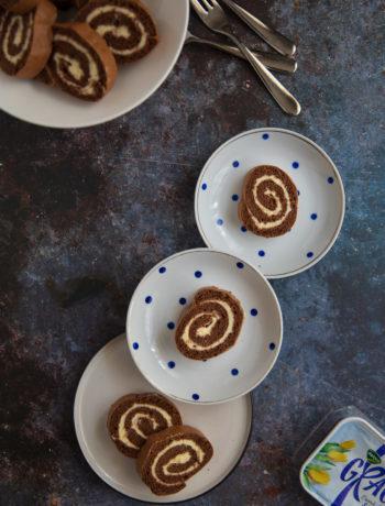 rulada cu blat de cacao si crema de branza
