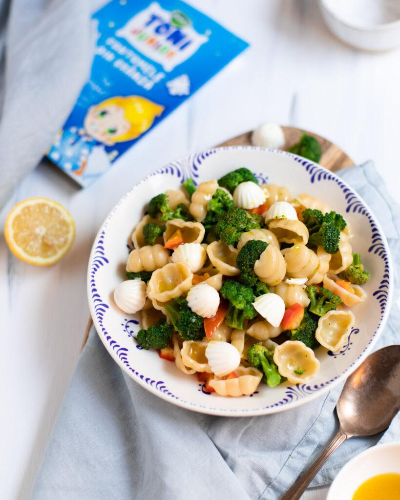 salata cu paste broccoli si branza