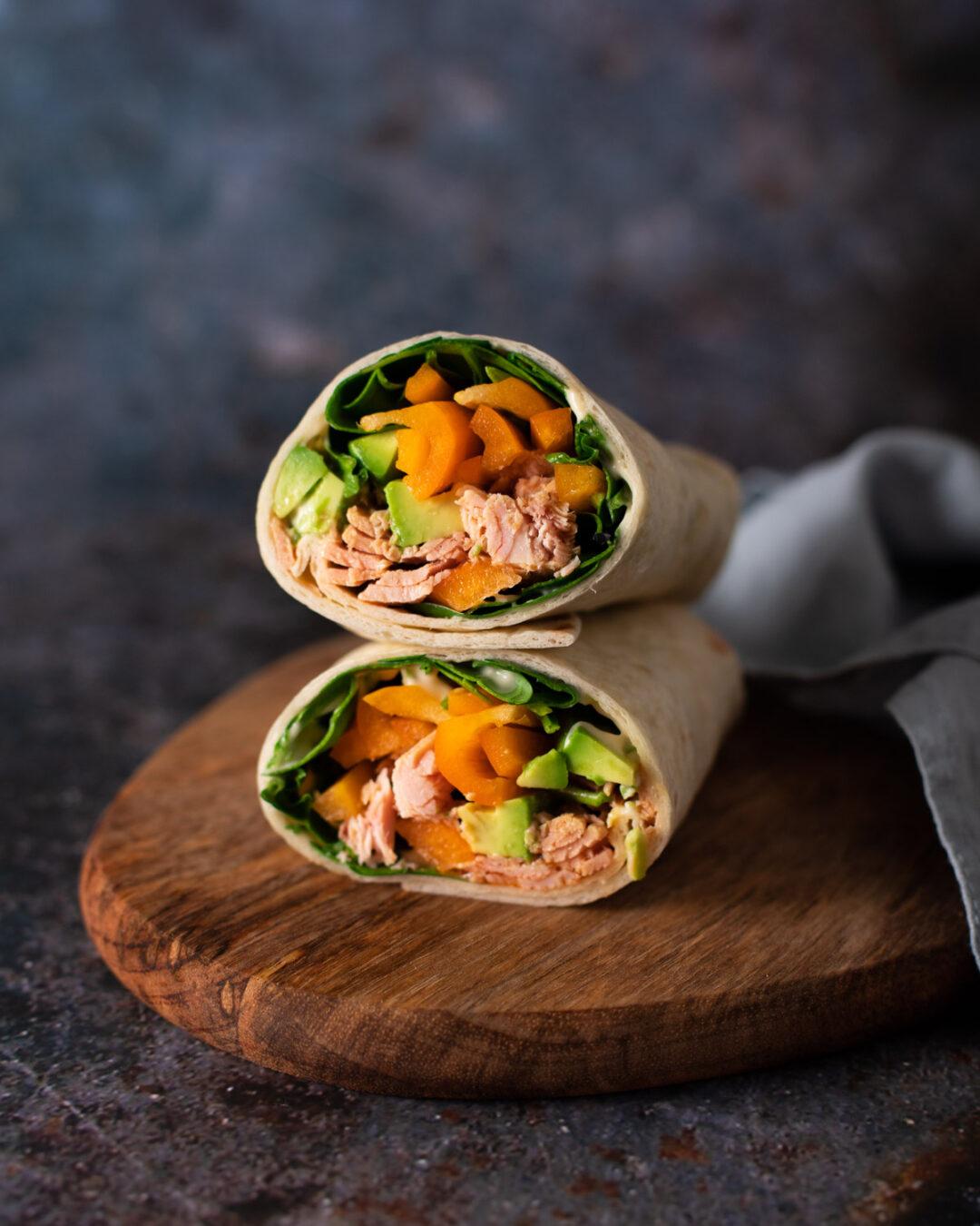 sandvis wrap cu ton si legume