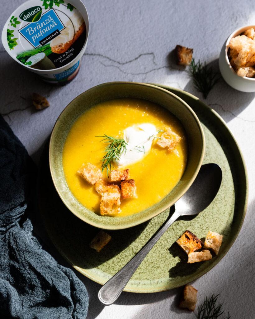 Supa crema de dovlecei cu crema de branza